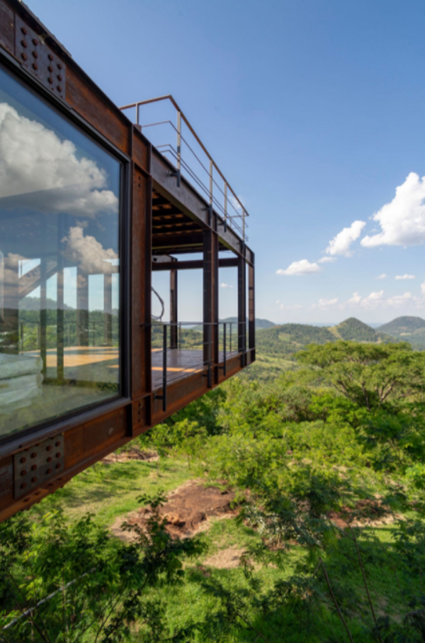 metal-balcony-residence-design