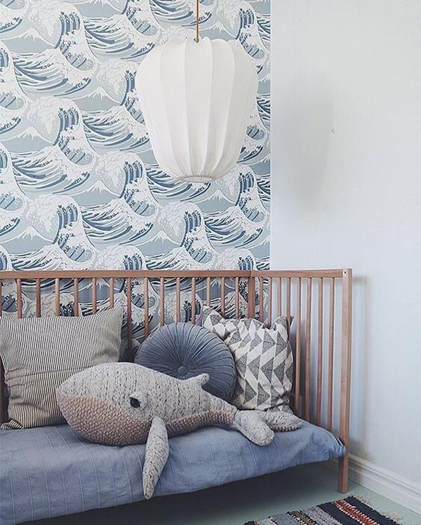 ocean-themed-kid-bedroom-with-wallpaper