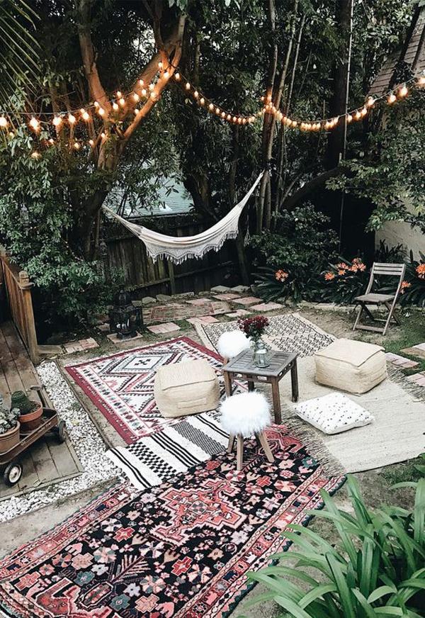 outdoor-bohemian-patio-garden-with-hammock-and-floor-living-space