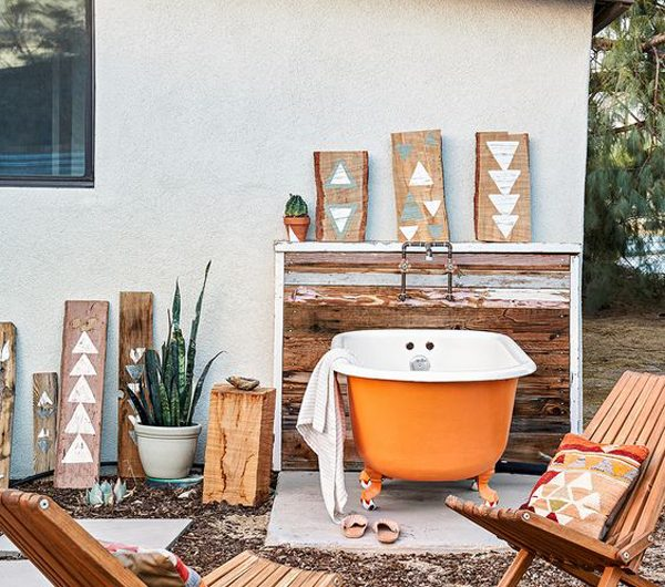 22 Relaxing Ways To Make Outdoor Tubs In The Backyard