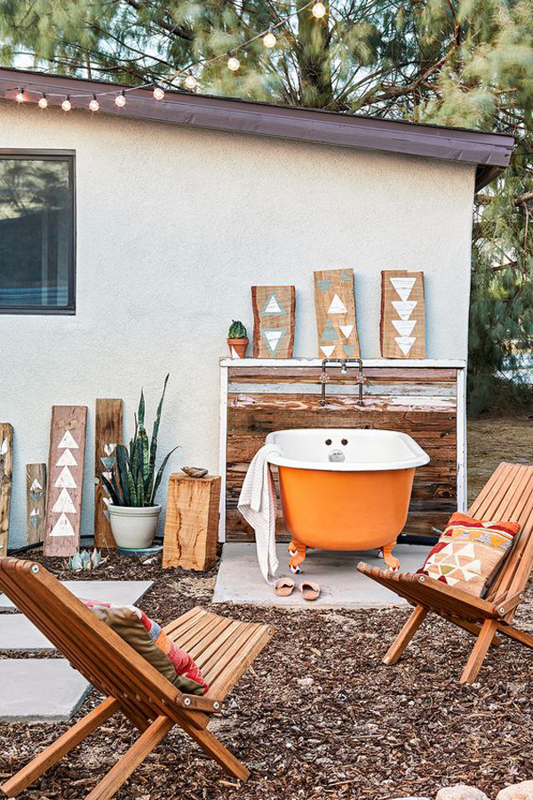 outdoor-orange-tubs-with-seating-area