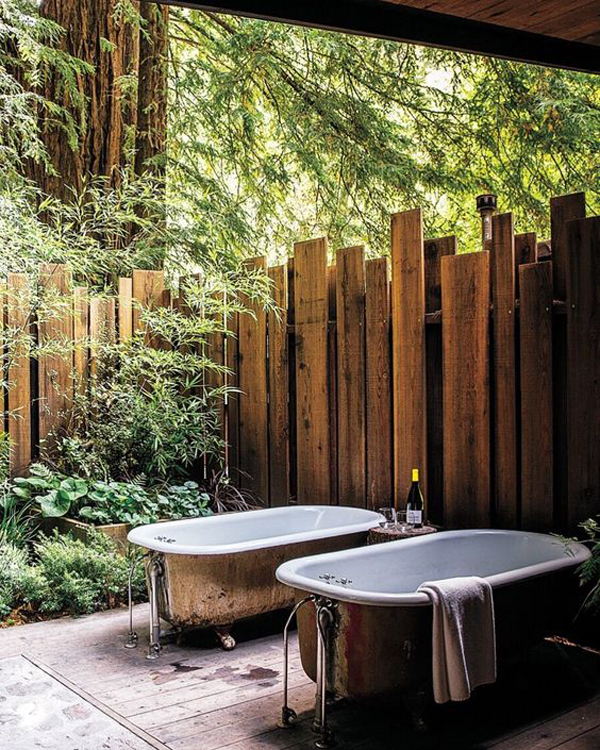 outdoor-shared-tubs-with-wooden-fence