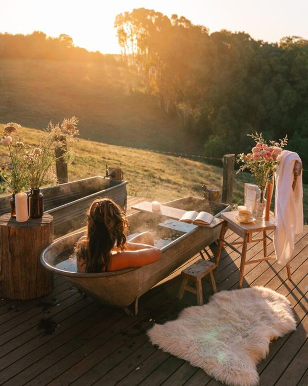 outdoor-tubs-with-sunset-view