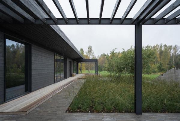 pavilion-style-house-landscaping-ideas