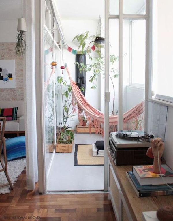 relaxing-balcony-ideas-with-hammock