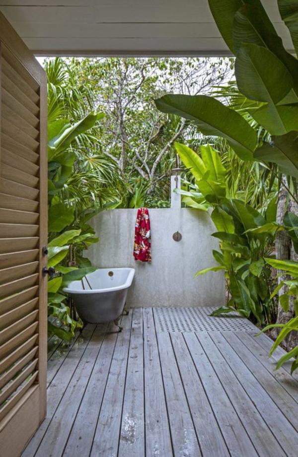 tropical-outdoor-bathroom-and-tub-ideas