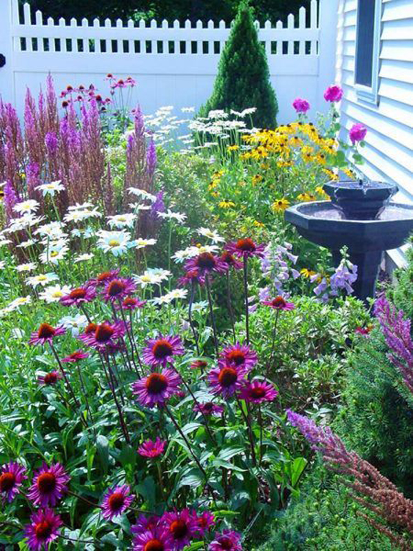 vibrant-cottage-flower-garden-decor