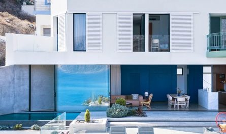 viewpoint-residence-with-sea-surroundings