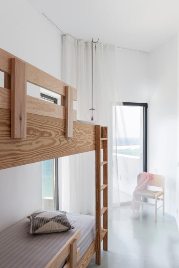 wooden-kid-bunk-beds
