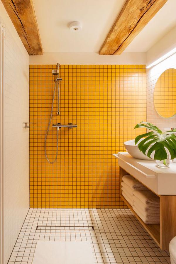 yellow-color-tile-wall-for-bathroom