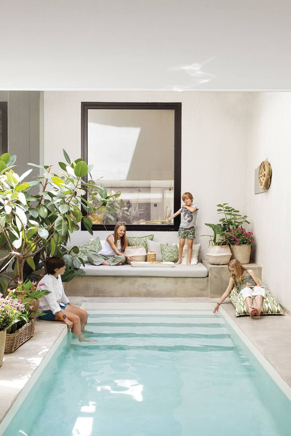 backyard-cocktail-pool-design-for-family