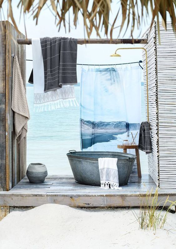 beach-outdoor-tubs-for-holiday