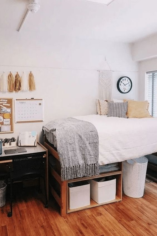 clean-and-stylish-dorm-room-decoration