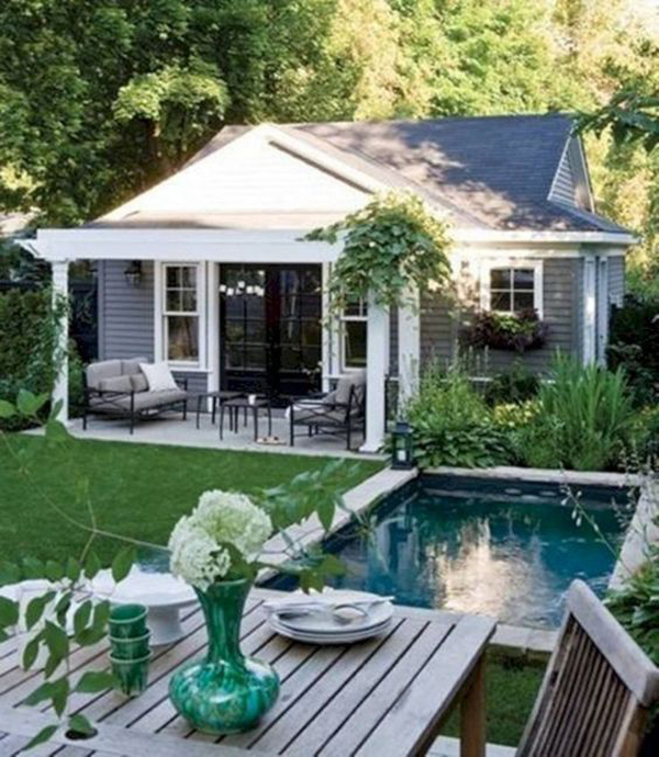 cocktail-pool-with-outdoor-dining-area
