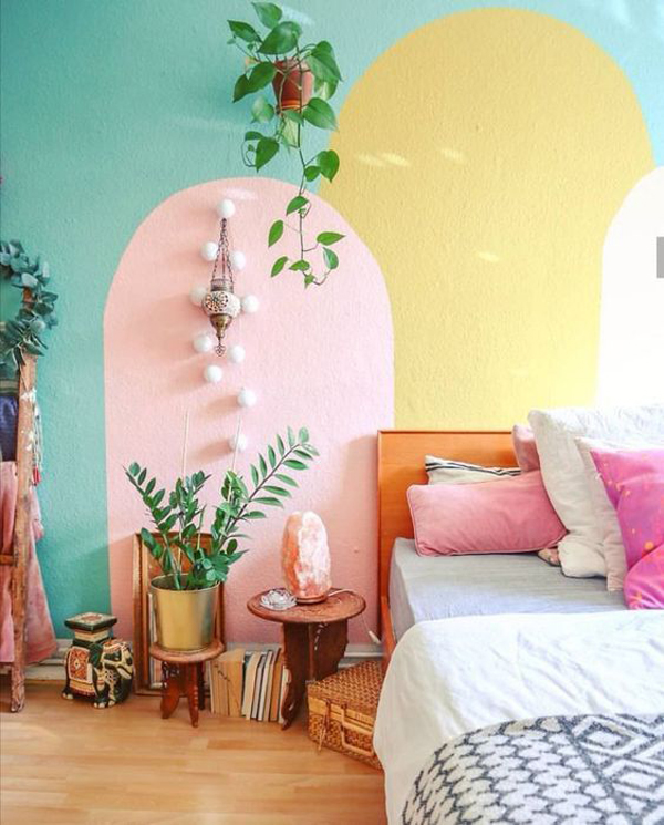 colorful-bedroom-painting-wall-with-indoor-plants