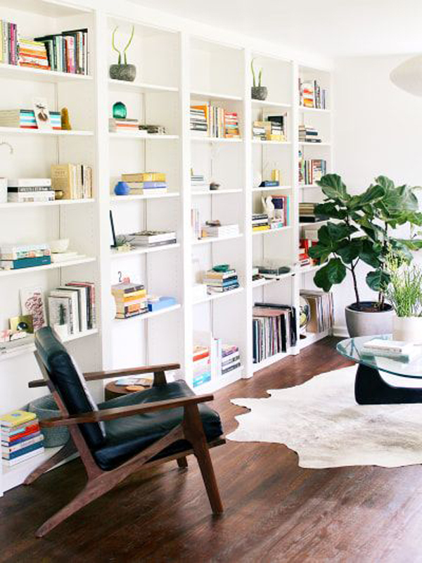 cozy-reading-nook-with-built-in-ikea-billy-bookcase