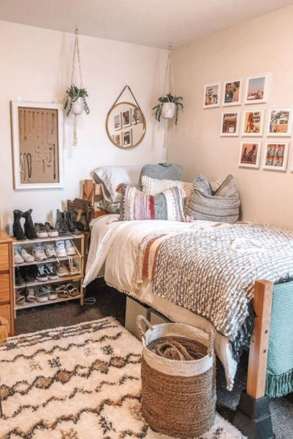 cute-dorm-room-with-functional-space