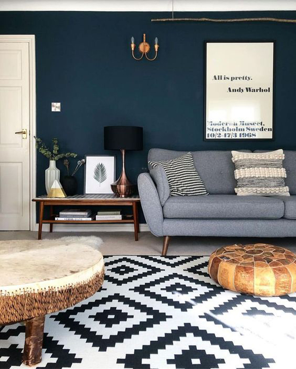dark-blue-colored-living-room-wall