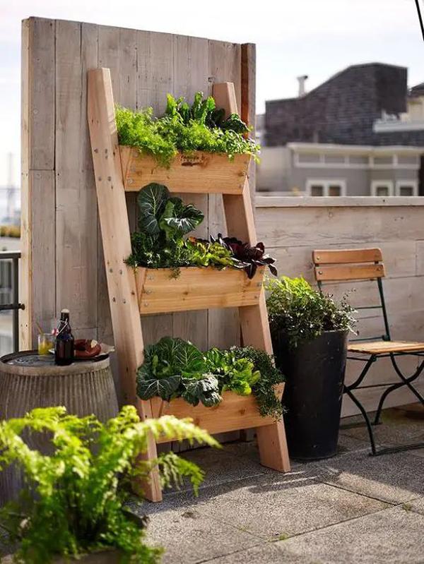 deck-vegetable-vertical-garden-ideas