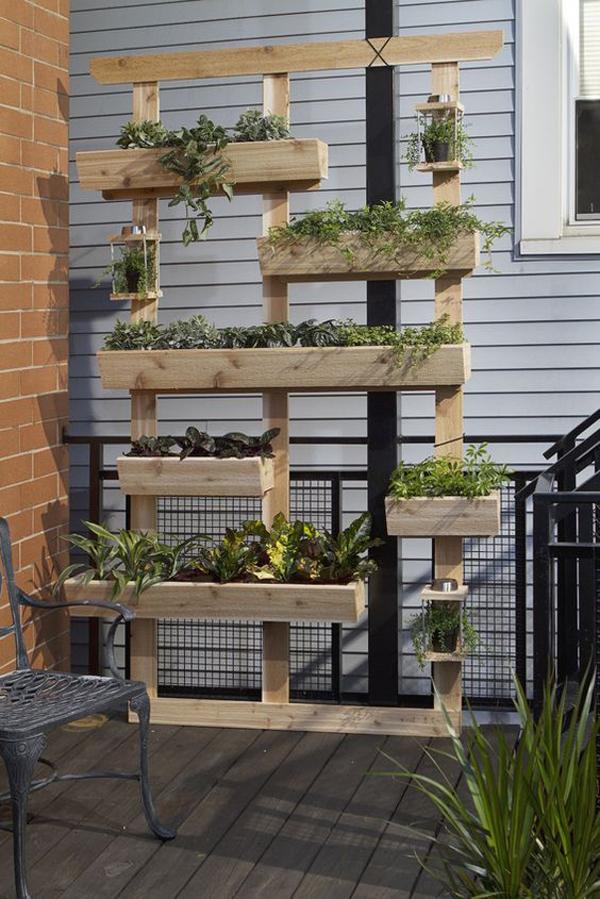 diy-outdoor-living-with-vertial-garden