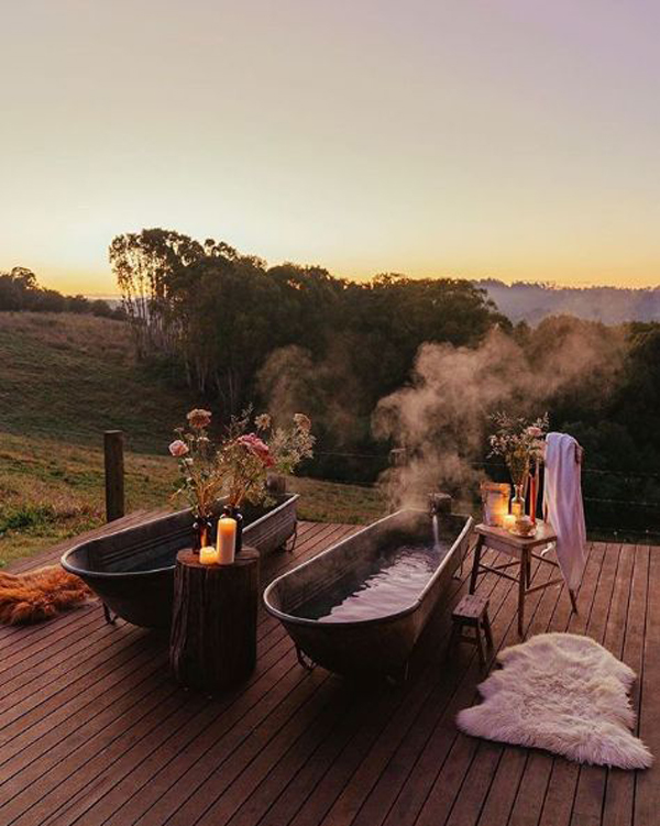 double-outdoor-tubs-with-sunrise-view