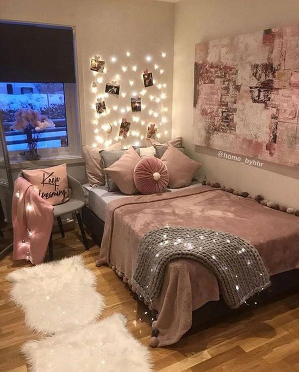 feminine-dorm-room-style-with-string-lights