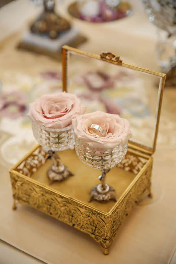 gold-ring-box-with-rose-holder