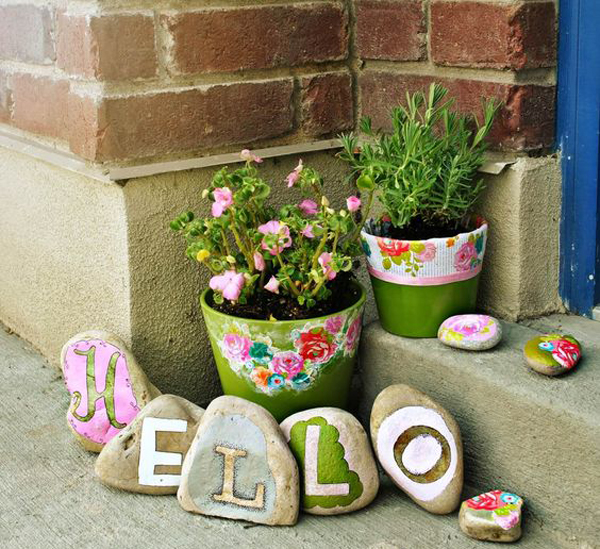 hello-outdoor-painted-rocks