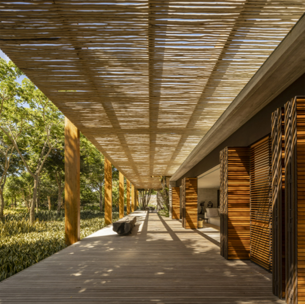 house-sand-with-wooden-pergola