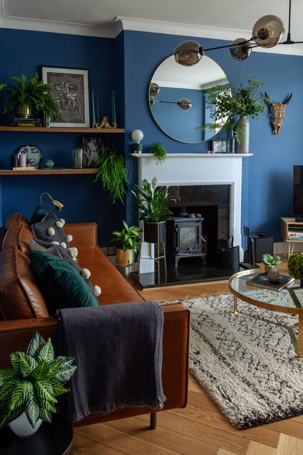 mid-century-living-rooms-with-blue-accent-wall