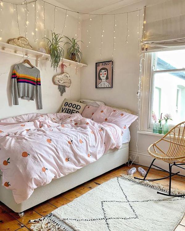 minimalist-college-dorm-room-decor