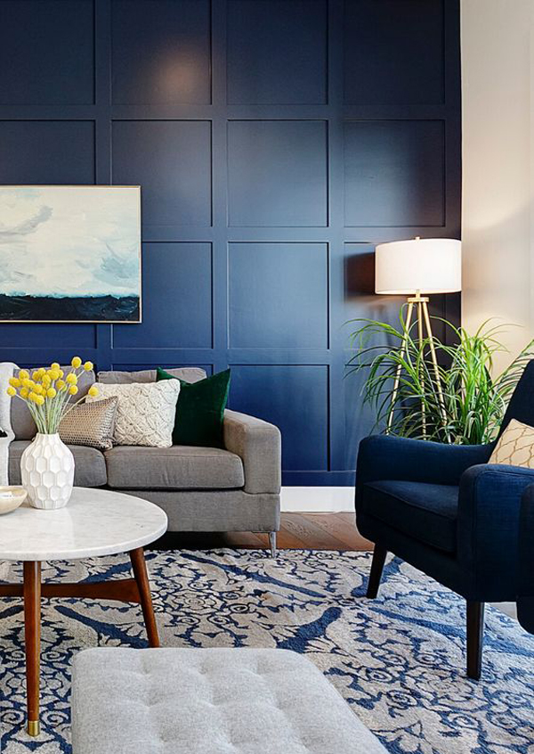 navy-blue-living-room-accent-wall