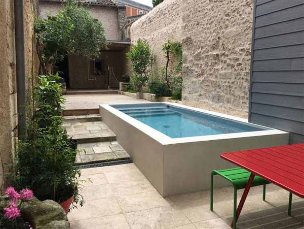 relaxing-backyard-reyreat-with-compact-pool