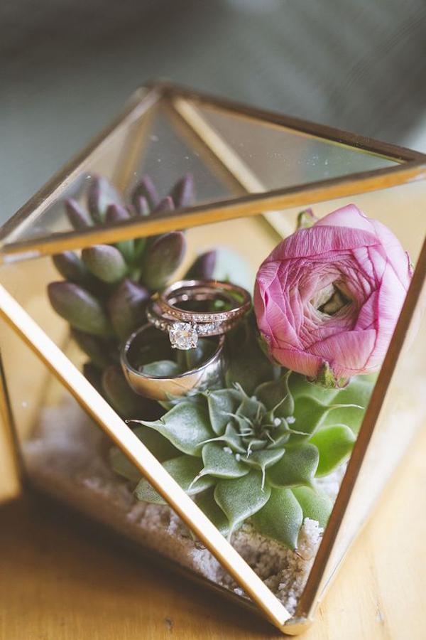 ring-box-terrarium-design
