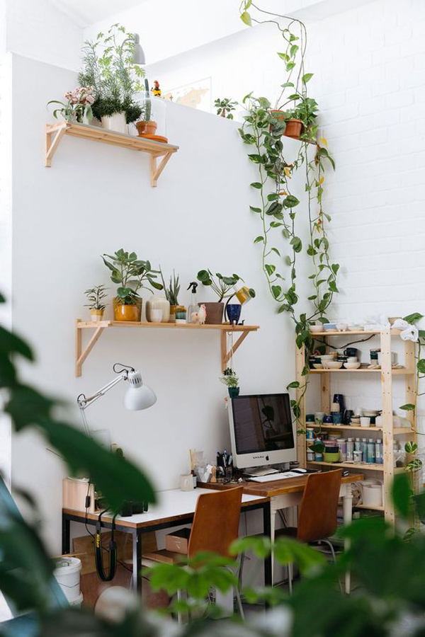 shared-home-office-design-with-greenery-decor