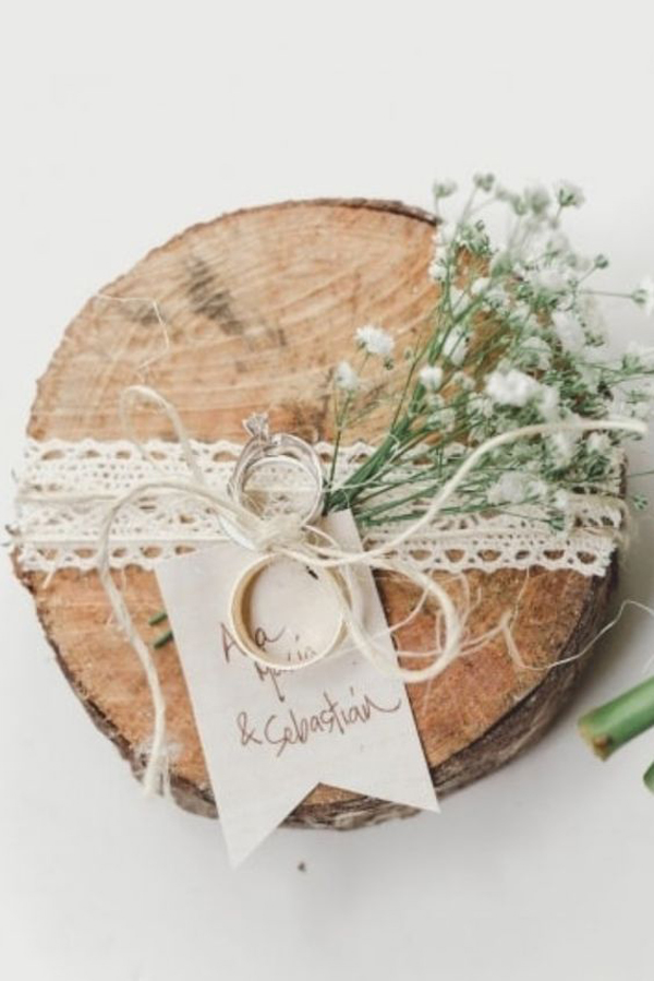 simple-wood-wedding-ring-holders