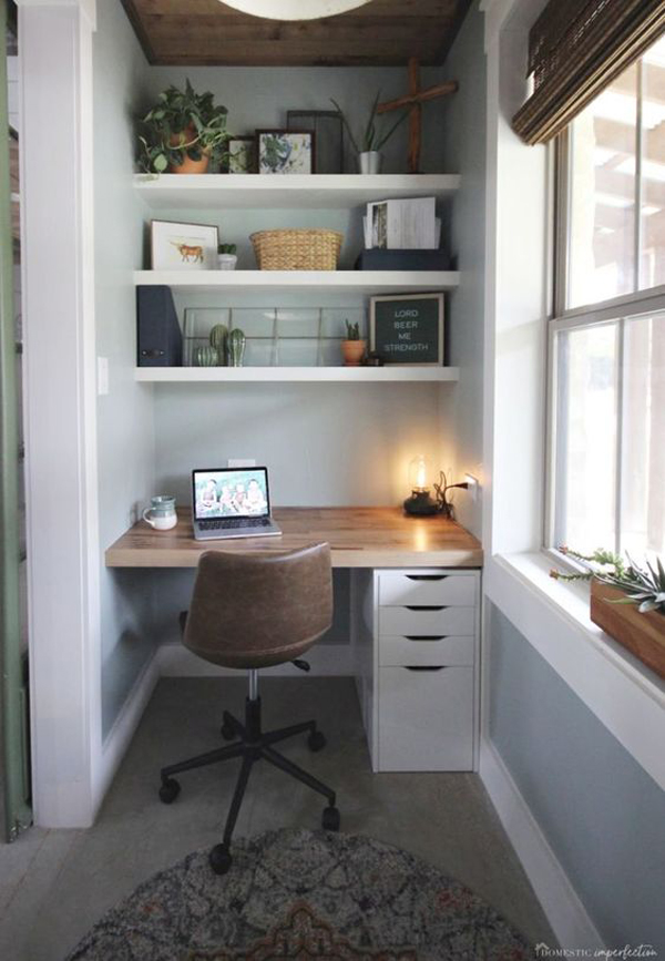 small-home-office-with-functional-storage