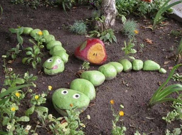snake-diy-painted-rock-garden