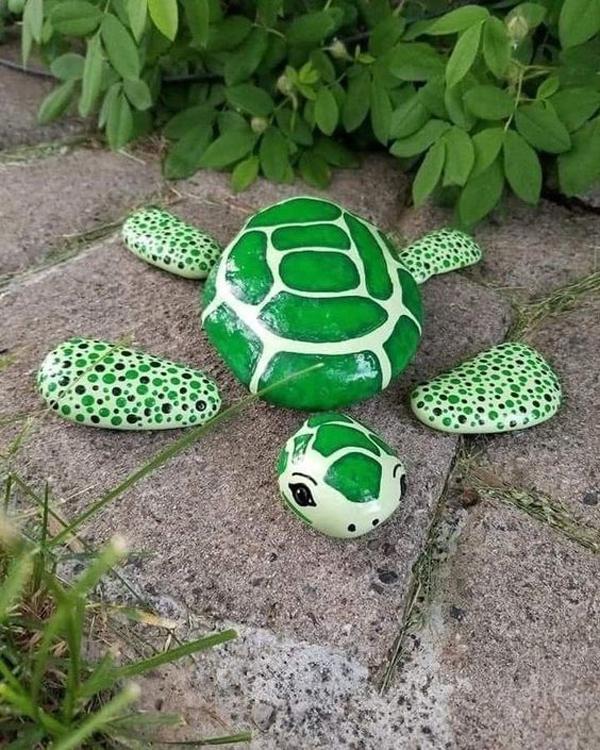 turtle-art-painted-rock-garden