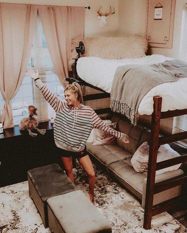 warm-and-cozy-girl-dorm-room-ideas