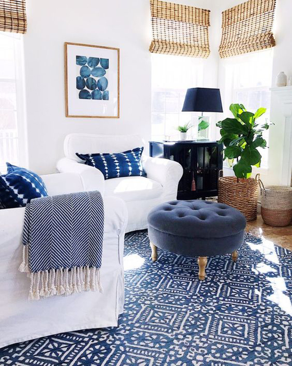 white-and-blue-living-room-for-small-space