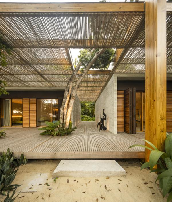 wood-house-on-the-sand