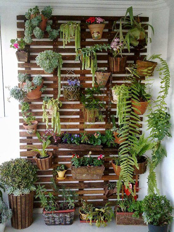 wood-vertical-garden-ideas-for-balcony
