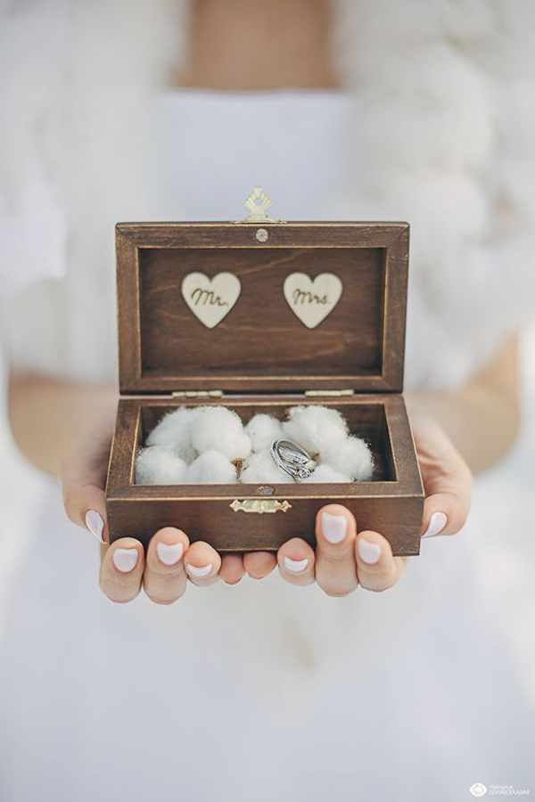 wooden-ring-box-for-wedding