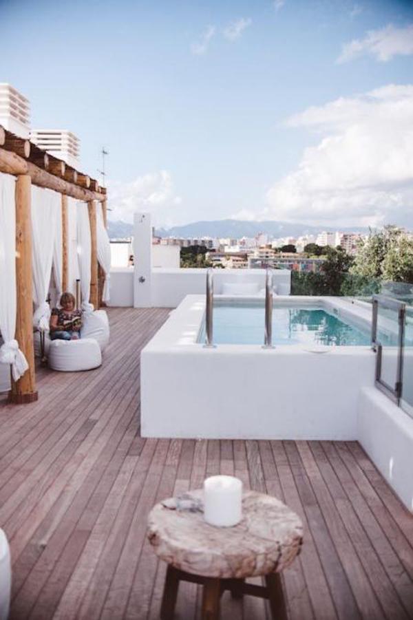 beautiful-rooftop-pool-like-a-holiday