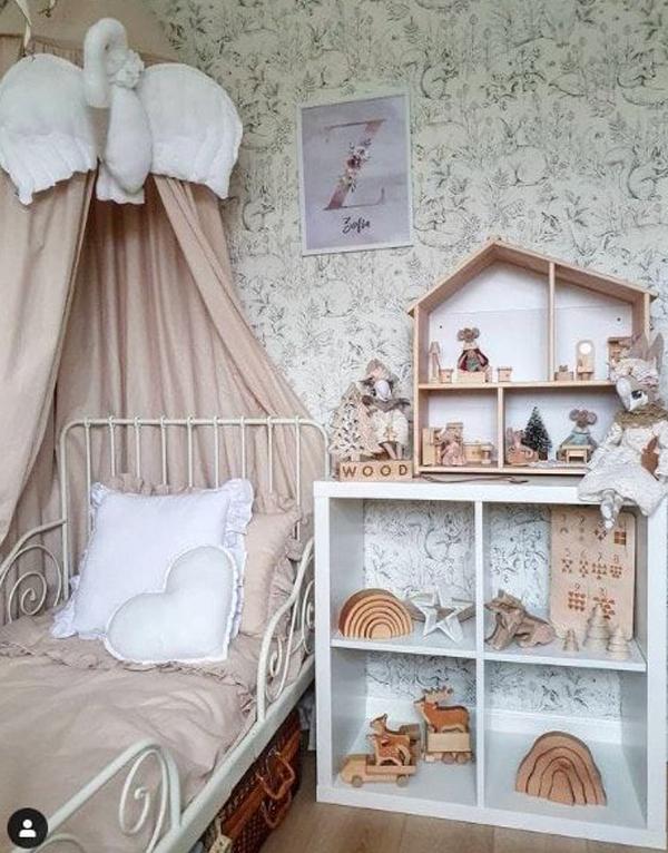 boho-girl-bedroom-with-ikea-kallax-hacks