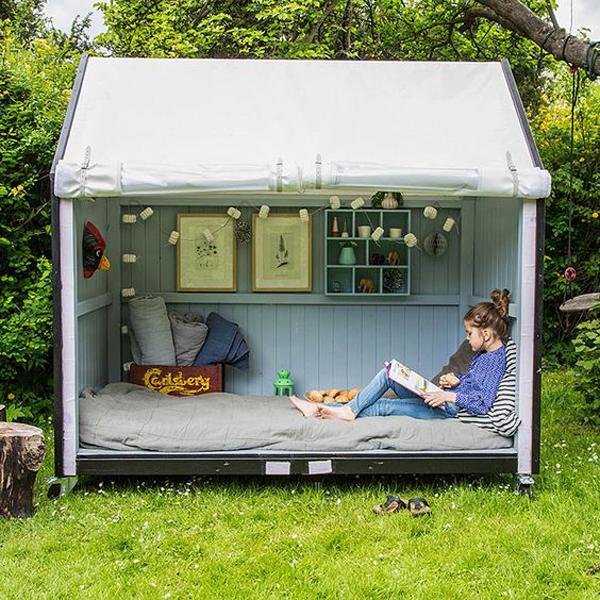 cozy-outdoor-tent-reading-nook