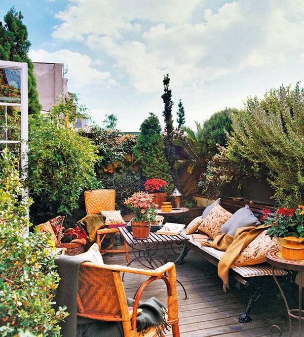 cozy-summer-balcony-design