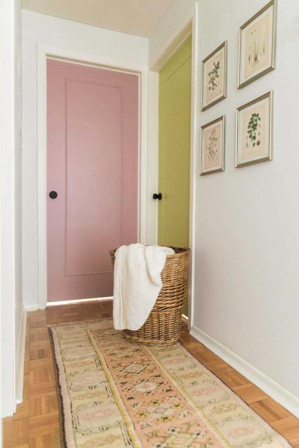 creative-two-color-door-blocking