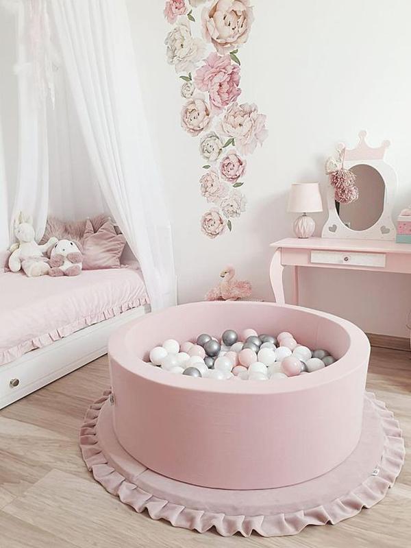 cute-pink-bedroom-for-little-girl